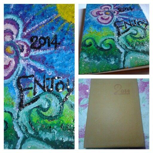 Nuova Idea (regalo) !! Agenda dipinta con colori a olio e smalti glitter (pagina facebook ARTE DEL RICICLO)