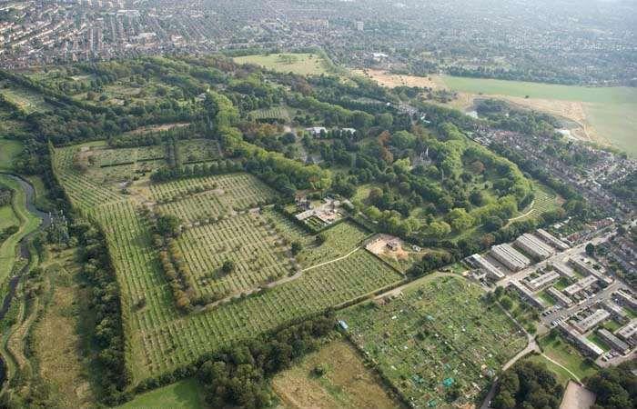 CITY OF LONDON CEMETERY, Newham - 1000286  Historic England