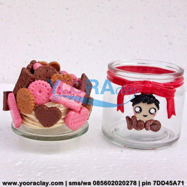 Toplesnya Ibra  Toples/Gelas mini Hias Clay, tinggi rata-rata 10cm, harga tergantung desain, bisa untuk tempat permen, gula/kopi, aksesoris/perhiasan, manik-manik, dll :)