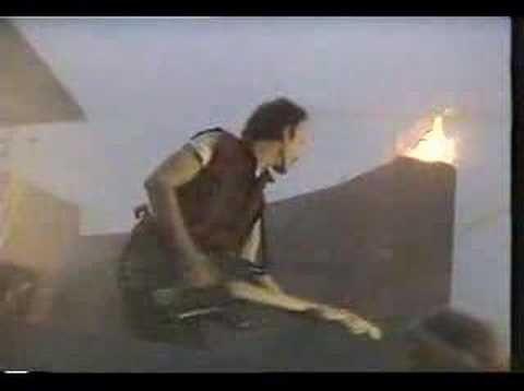 U2-Sunday Bloody Sunday