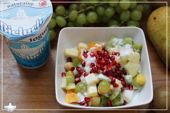 Sałatka owocowa i jogurt Bieluch