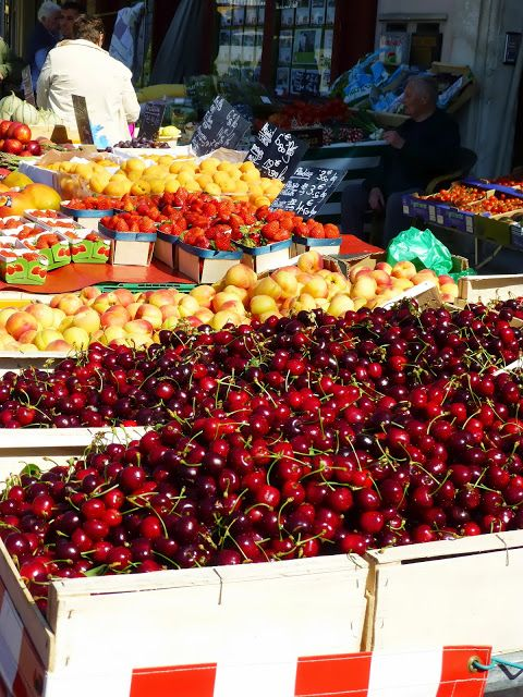 Provence market,  I want to reach through this picture and devour those cherries!