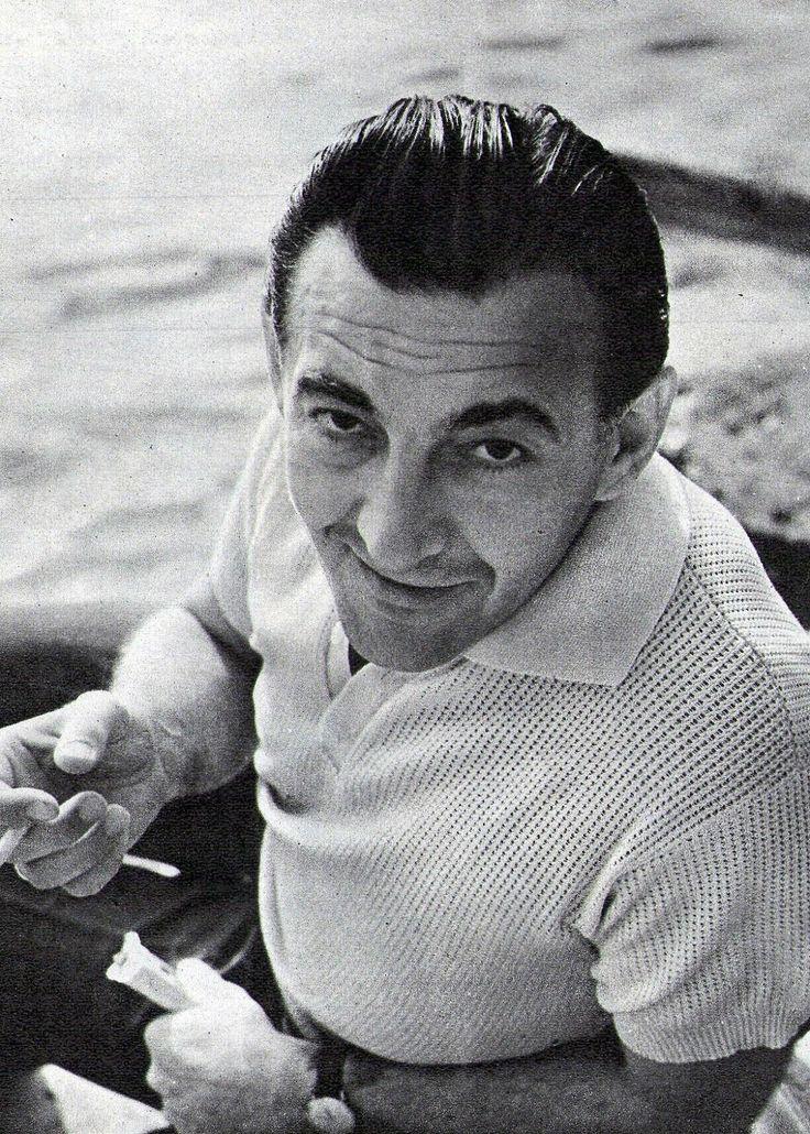 Sinkovits Imre (1928-2001)  a Nemzet Színésze címmel kitüntetett, Kossuth és kétszeres Jászai Mari-díjas színművész, érdemes és kiváló művész.