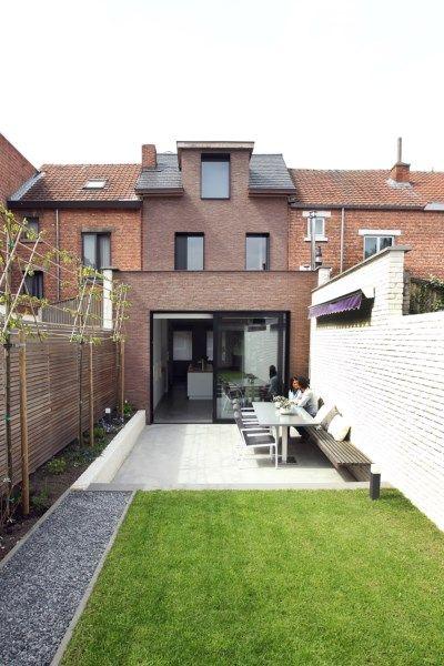 Binnenkijken in de blikvanger tussen een rij huizen uit de j... - Het Nieuwsblad: http://www.nieuwsblad.be/cnt/dmf20160504_02273981