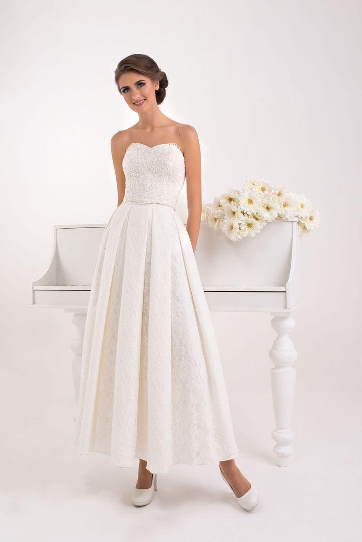 Elegantné jednoduché svadobné šaty bez ramienok