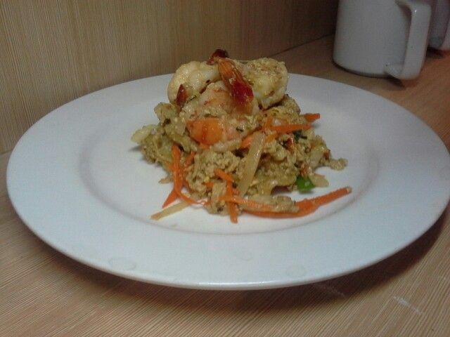 Saute veggie with shrimp and egg