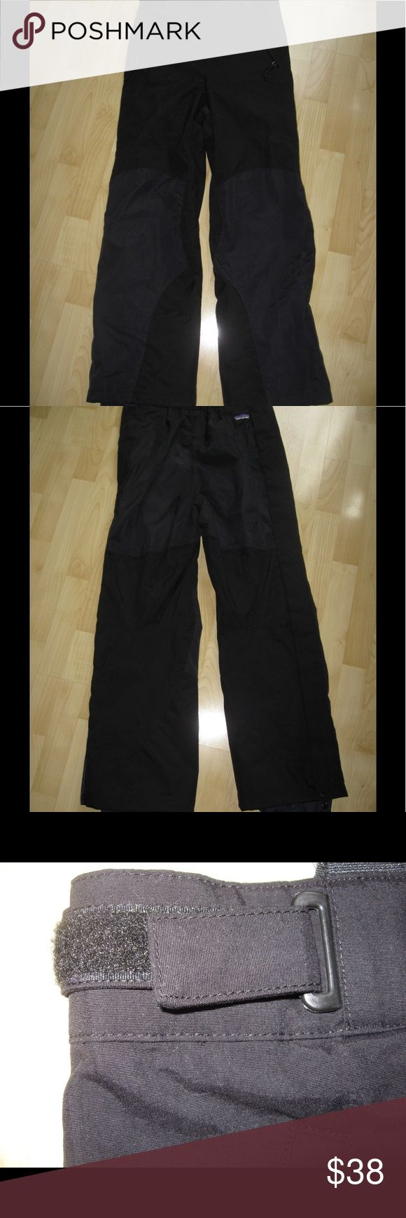 Patagonia Ski Snow Pants Black ski pants w/ Velcro waist. Has cuffed bottoms w/ Velcro, zipper sides. In very good condition. Ask any questions! 📦Same/ Next Day Shipping 🚫Paypal/ Trades ✅Bundles 🚫Smoke Free Patagonia Other