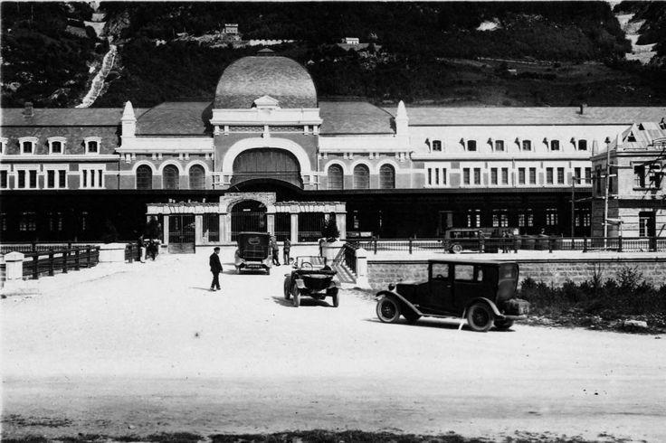 La gare internationale de Canfranc, en Espagne, dans les années 30.