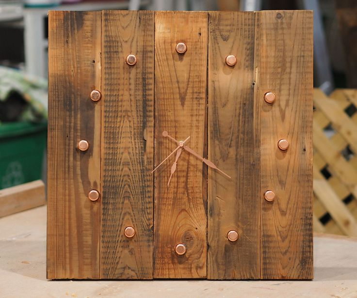 Got your hands on some reclaimed wood, maybe some barn wood or pallet wood? This tutorial shows you how to make a reclaimed wood clock with copper pipe hands.Watch the making progress in this video, or read on!