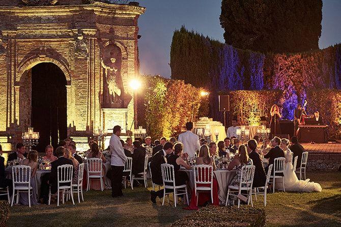 ALMA PROJECT 24/7 Al Fresco Evening Wedding | Beautiful Al Fresco Wedding in Tuscany | Jules Bower Photography - Lighting Alma Project 24/7