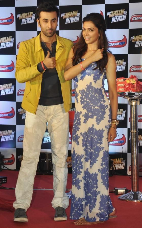 Ranbir Kapoor and Deepika Padukone @ Close Up Dental Care Products Launch