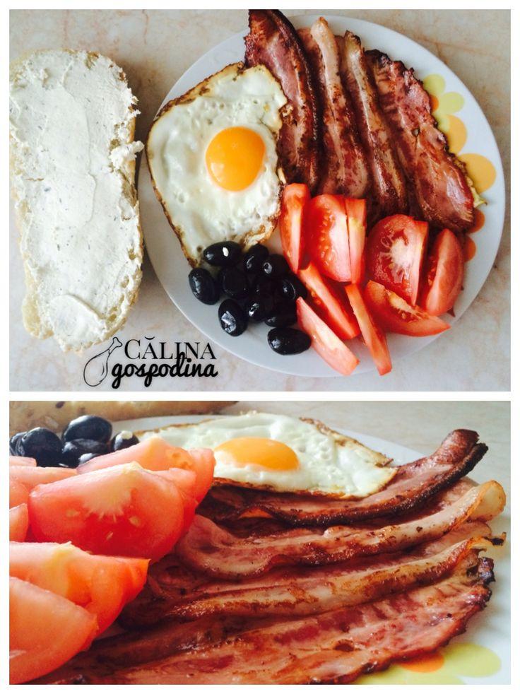 Bacon și ochiuri // Bacon and eggs