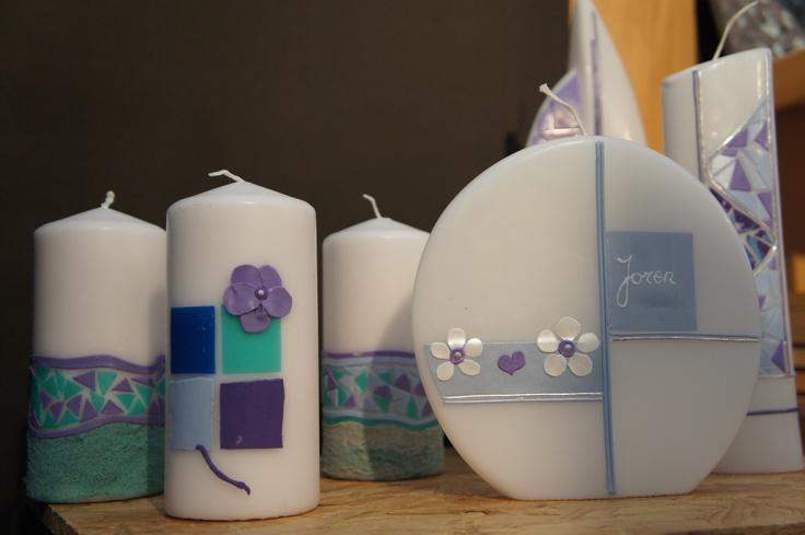 Zelf kaarsen decoreren met wasfolie.  Zo maak je een kaars voor elke gelegenheid, bijvoorbeeld communie.