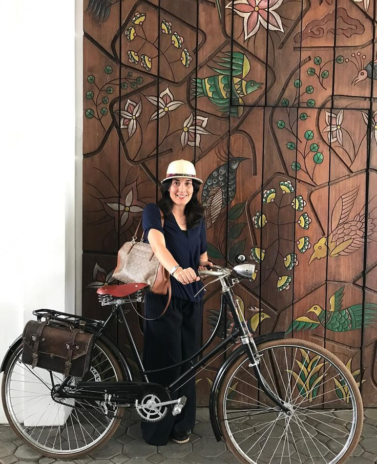 #bandung @pramagrandpreanger #holiday #holidayfun You should go to Bandung sometimes, a bit of momma retreat. My inner Dutch is coming out...lets go biking in style #stylelikeamother @stylelikeamother