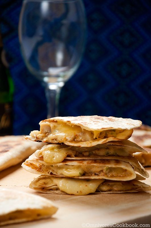 Taco Bell chicken quesadilla recipe - super easy to make and addictive tasty. The chicken is moist, accompanied by the creamy cheese and sauce.