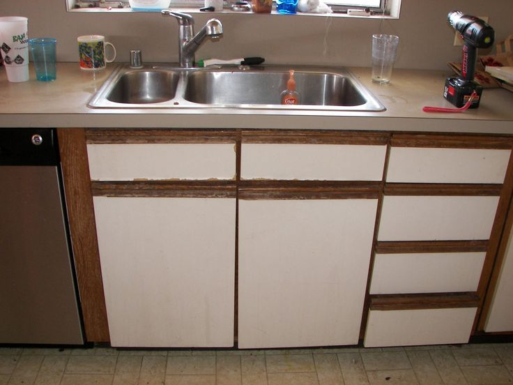 Old Painting Kitchen Cabinets - http://paint.skoffphoto.com/old-painting-kitchen-cabinets/ : #PaintingFurniture If your Old Painting Kitchen Cabinets– are varnished and want to renew with bright paint, you must remove varnish, apply primer and repaint the cabinets in the color you choose. Because this is a long process, you should be prepared to paint the cabinets in stages so that your kitchen...