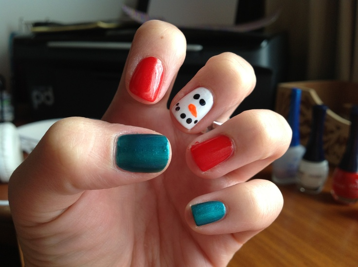 x-mas nails: a snow man and the holiday colours