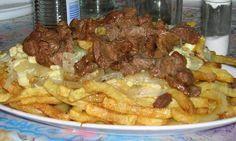 Comida Típica de Valparaíso: La Chorrillana, Este es uno de los platos más típicos de la comida chatarra en Valparaíso (sino el más). ..la chorrillana es muy rica, solo basta con nombrar lo que la compone: carne, huevos revueltos con cebolla, papas fritas, chorizos, salchichas (vienesas). Como es un plato abundante, generalmente (al menos en Valpo) se sirven para tres o cuatro personas. - See Recipe