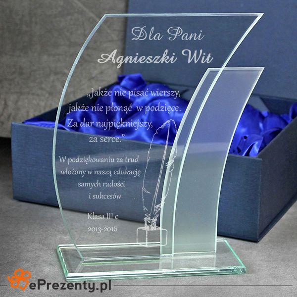 Szklana statuetka w etui dla nauczyciela z życzeniami.  #statuetka #grawer #nauczyciel #zakonczenieroku #koniecroku #eprezenty http://bit.ly/1t5tr75