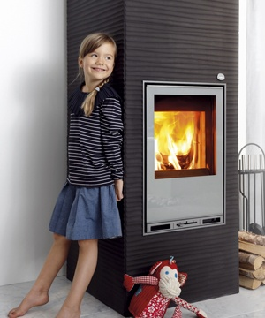 Tulikivi Aalto 2 is a soapstone fireplace that has Figure coating that gives a wavy structure. Aalto comes in white and dark grey.