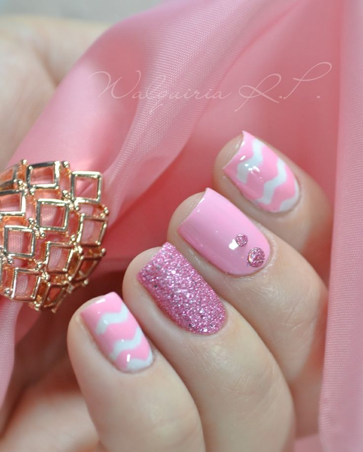 So pretty pink nails :)