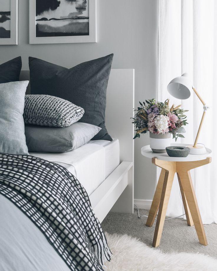 Bedroom inspiration - gray and black bedroom