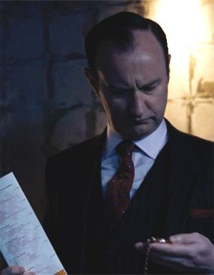 [GIF] SHERLOCK S4 E1: The Six Thatchers. Mark Gatiss.