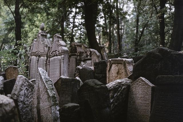 1976 Praha Old Jewish Cemetery