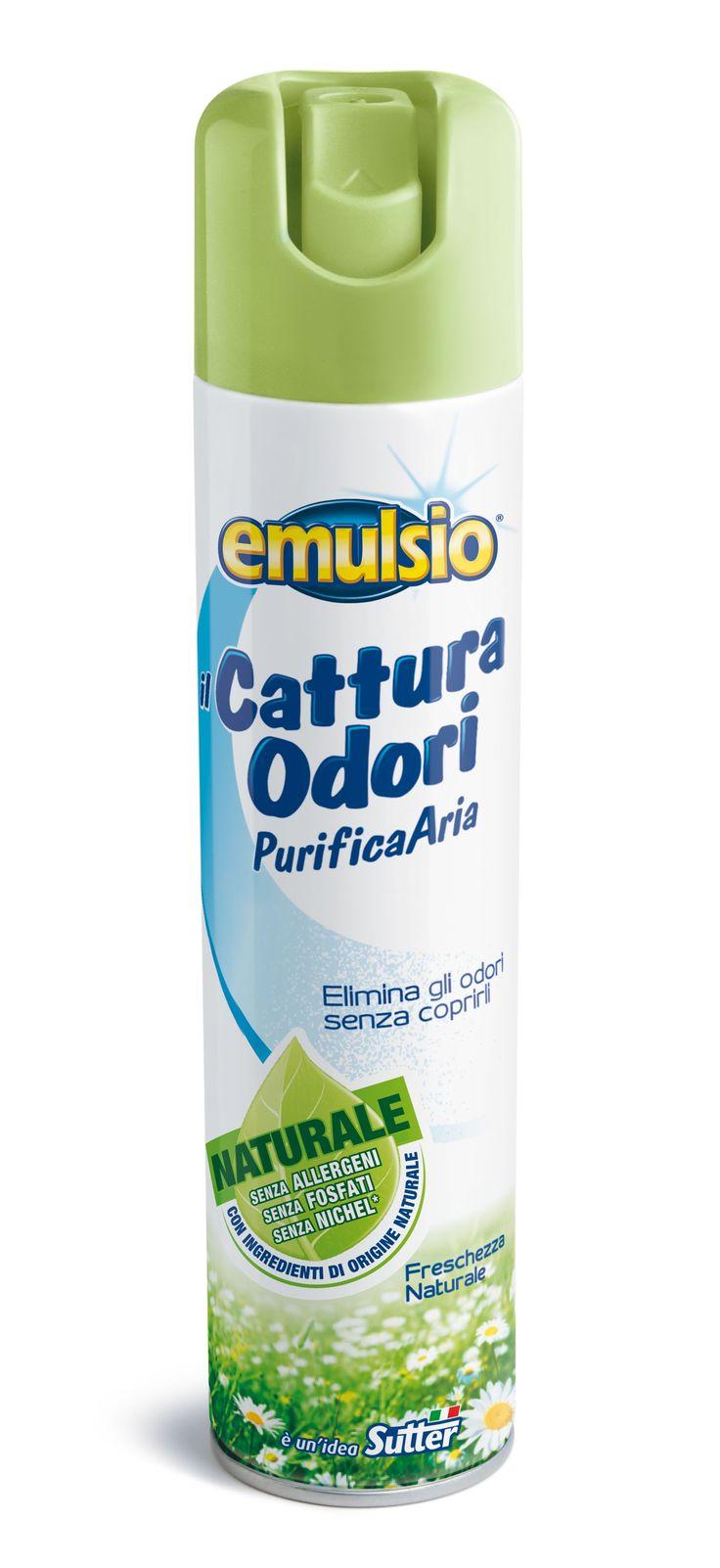 Emulsio ilCatturaOdori spray neutralizza tutti i cattivi odori di casa senza coprirli. La speciale tecnologia agisce direttamente sui cattivi odori presenti nell'aria come quelli di fumo, fritto, bagno e animali domestici. La sua fragranza Freschezza Naturale inoltre profumo delicatamente l'ambiente senza infastidire.