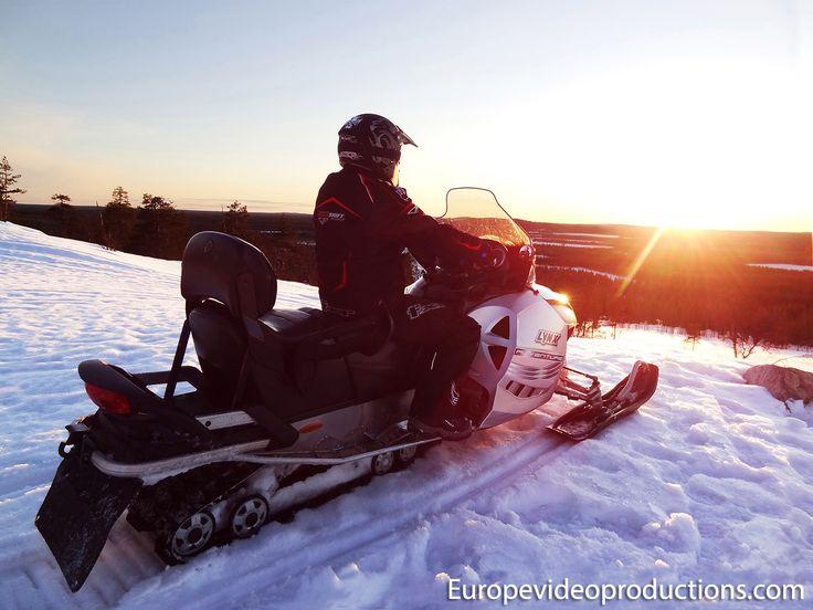 Motos de nieve en Finlandia – una experiencia ártica real