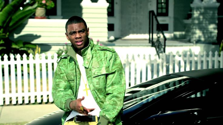 Soulja Boy Tell'em - Blowing Me Kisses I love this song and I can't help it that I love this and Soulja boy