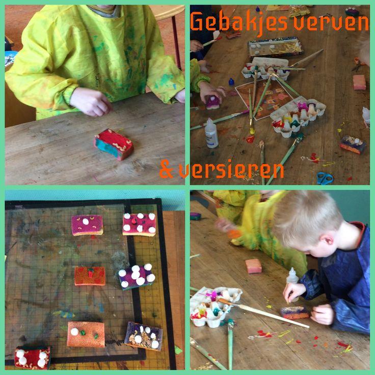 De kinderen van SKA-bso Elmo maakten gebakjes van kosteloos materiaal (met als basis een schuursponsje).