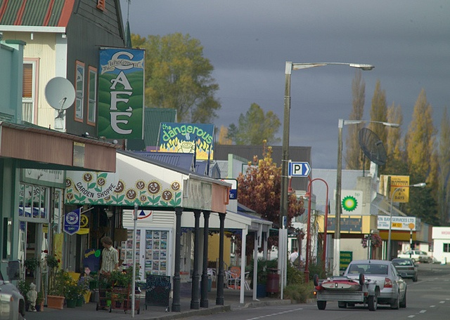 takaka main street - I loved this little town.  Great shopping for Kiwi pressies.  And, the Golden Bay area is so wonderful
