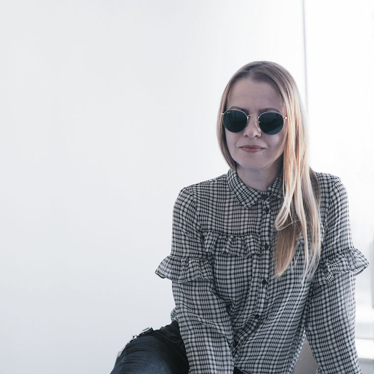 Ruffle blouse greyscale check print minimal look