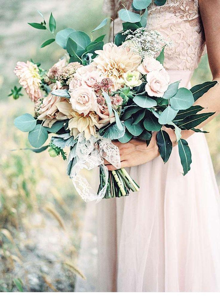 wunderschöner Brautstrauß, rosa, ausgefallen, Hochzeit, Blumenstrauß