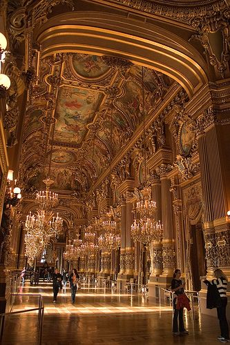 Paris Opera House is one of the most beautiful buildings in the world......OH to be able to sing in there would be a dream!!