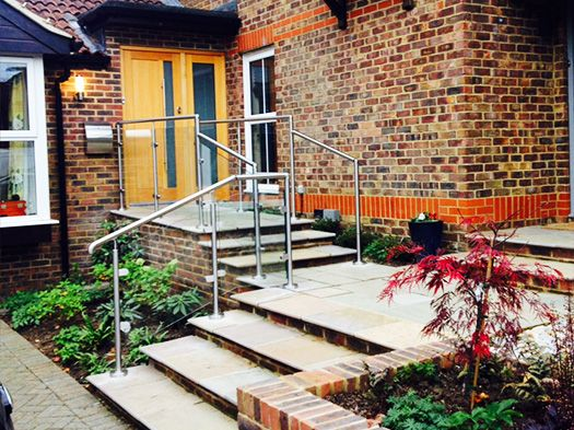 Another happy customer has provided us with a stunning photo. This #glass #railing is not only practical but is in keeping with this modern #home.