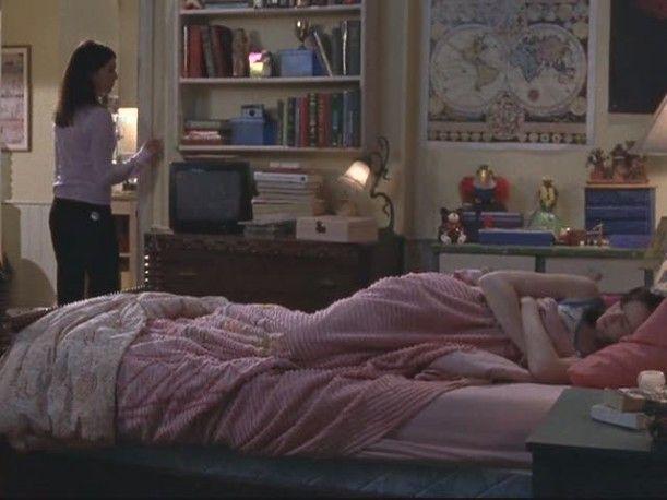 Lorelai's house-Rory's room 3