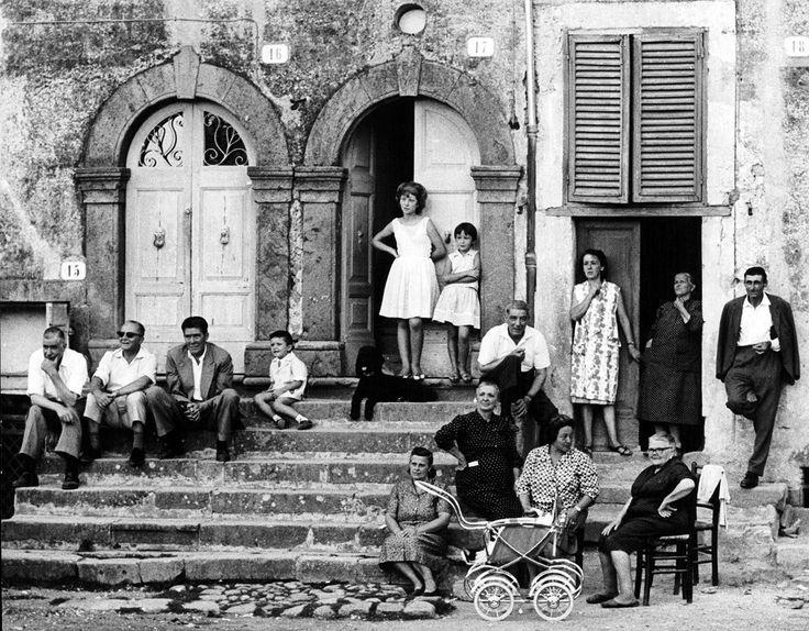 Oriolo Romano, 1965. - Gianni Berengo Gardin, Per gentile concessione della Fondazione Forma per la fotografia