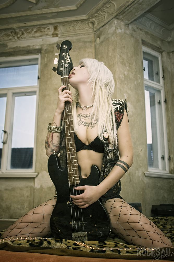 Очень красивые, картинки хеви метал девушки