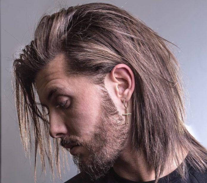 40 Coiffures Pour Cheveux Longs Et Mi Longs Coupe De Cheveux Homme Idee Coiffure Cheveux Long Coupe Cheveux Homme Cheveux Masculins