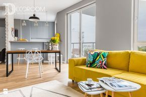 ARANŻACJA W STYLU RETRO - Salon, styl skandynawski - zdjęcie od Decoroom living room inspiration | yellow sofa | scandinavian design | kitchen inspiration | dining room | design