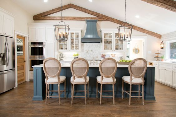 25 best ideas about fixer upper season 1 on pinterest fixer upper episodes magnolia hgtv and. Black Bedroom Furniture Sets. Home Design Ideas