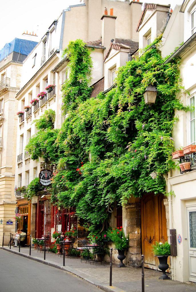 Au Vieux Paris d'Arcole Rue Chanoinesse Paris 4e, par Audrey, sur flickr.com