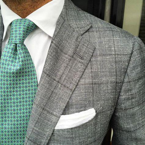 @danielmeul of @pauwmannen wearing a Viola Milano printed luxury 5-fold silk tie & handrolled Cotton/Linen pocket square... Buy all online at www.violamilano.com #violamilano #handmade #madeinitaly #luxury #sartorial #timeless #classic #pauwmannen #cesareattolini #