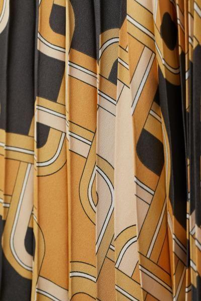 Jupe en satin plissé – mode automne hiver – #automne #hiver #jupe #Mode #plis …  – Jupe