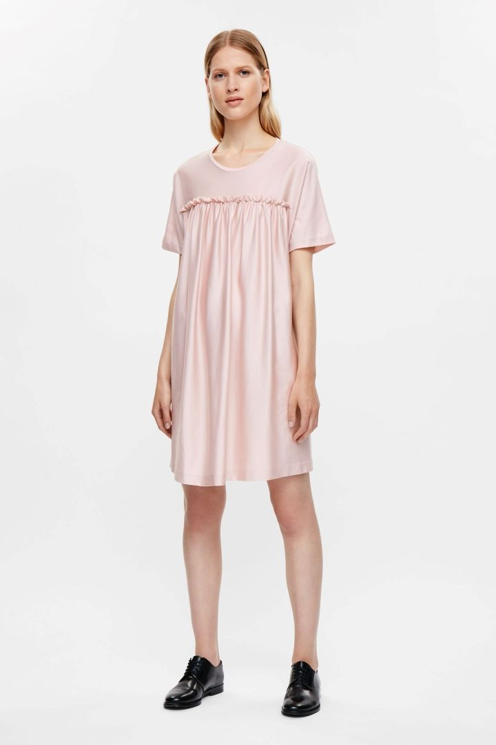 Short dress with gathering - Dusty Pink - Dresses - COS ES