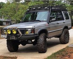 """656 Likes, 2 Comments - @landroverphotoalbum on Instagram: """"A pumped D2 By @lrclub4x4pty #landrover #Discovery2 #landroverdiscovery #landroverphotoalbum #4x4…"""""""