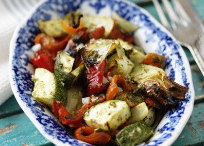 Ugnsbakade grönsaker med grön pesto