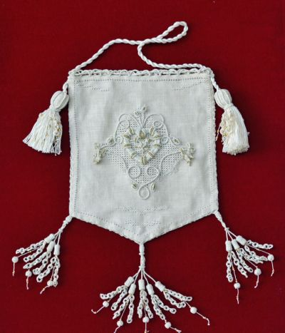 Koala Conventions - Home Casalguidi is a relatively new form of embroidery created around the late 1800s to the early 1900s. It was adorned on to purses, cushions, pouches, linen and house furnishings, etc, as a substitute for lace which was a symbol of status